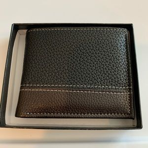 3/$25 Men's black and brown leather like wallet